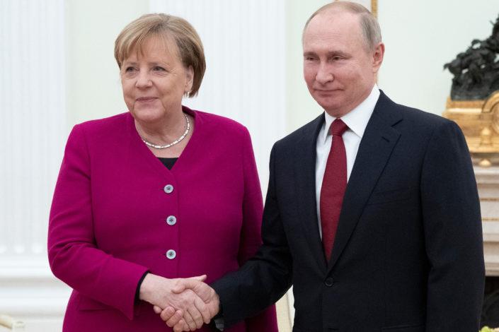 Analitičari: Merkelova se zbližila sa Putinom jer nema izbora