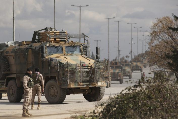 Sirijska vojska ubila 33 turska vojnika, migranti krenuli iz Turske ka Evropi
