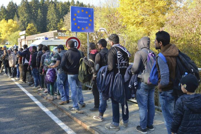 Dojče vele: Pobeda populista po pitanju migrantske politike