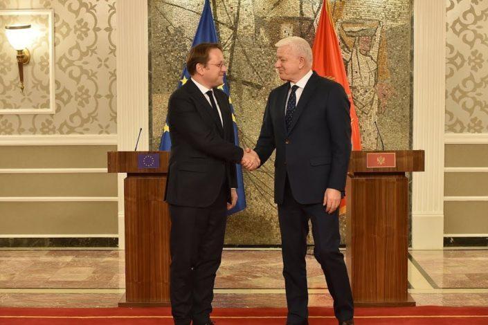 Vijesti: Vlada CG će odložiti primenu zakona; Marković: Nema suspenzije