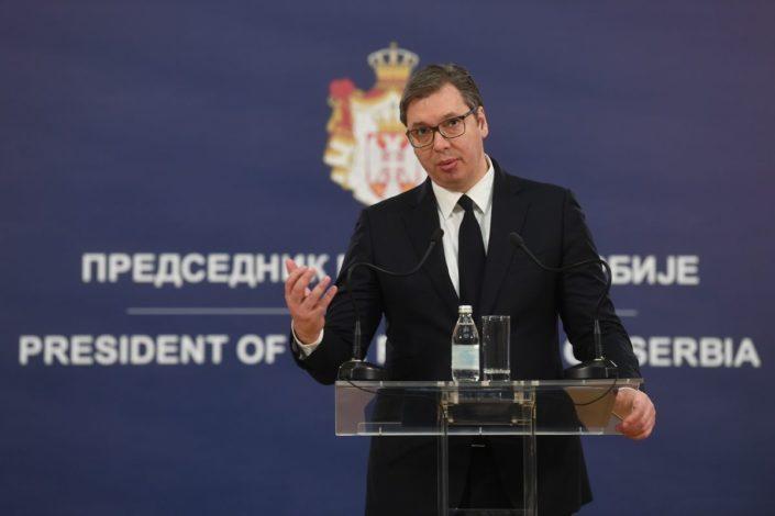 Vučić: Dogovor o KiM nije na pomolu, zaštitićemo granice pred migrantskim talasom