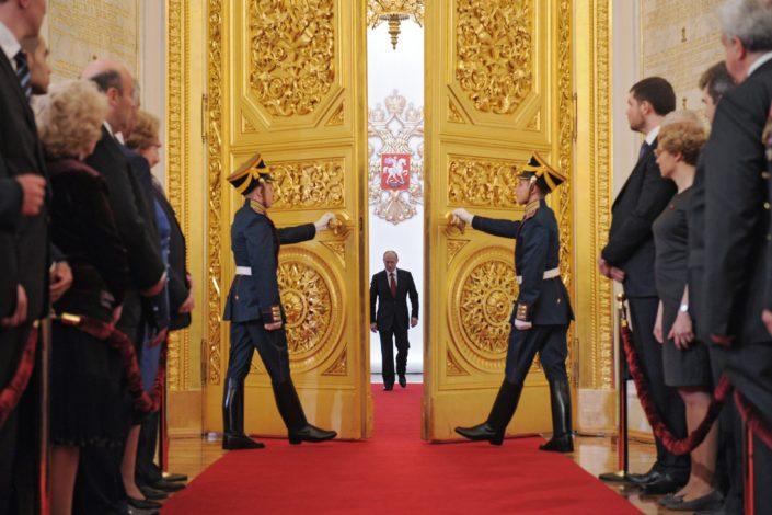 Putin između uloge De Gola i Cezara