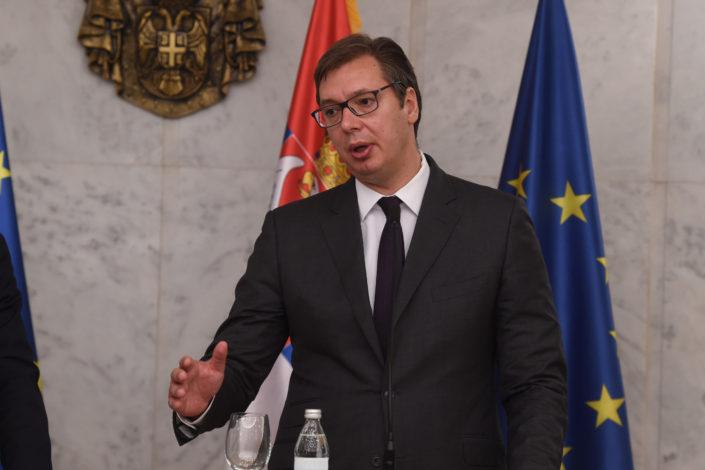 Vučić večeras o uvođenju vanrednog stanja, pre toga sastanak sa patrijarhom