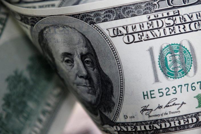 Hoće li korona probosti dolarski mehur?