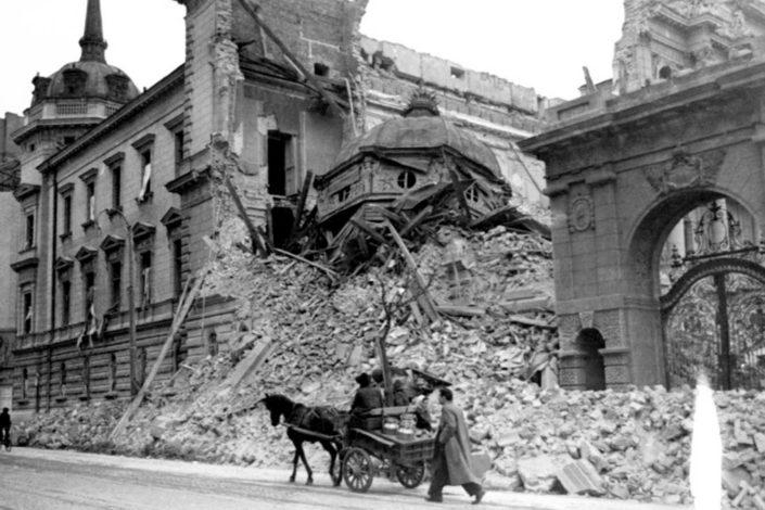 I. Miladinović: Hitlerov strašni sud za Beograd ili o šestom aprilu