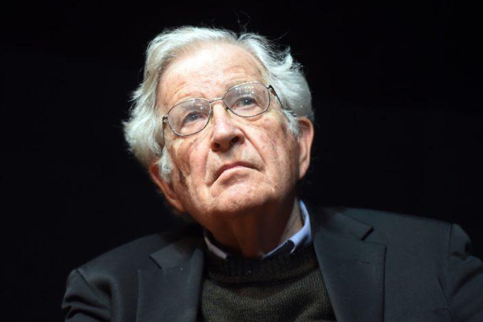 Čomski pisao Vučiću zbog Instituta za filozofiju