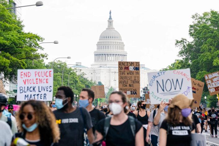 Masovni protesti u Vašingtonu, Bela kuća tražila razmeštanje 10.000 vojnika