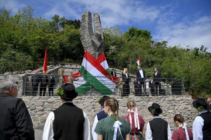 Duh Trijanona progoni Mađarsku