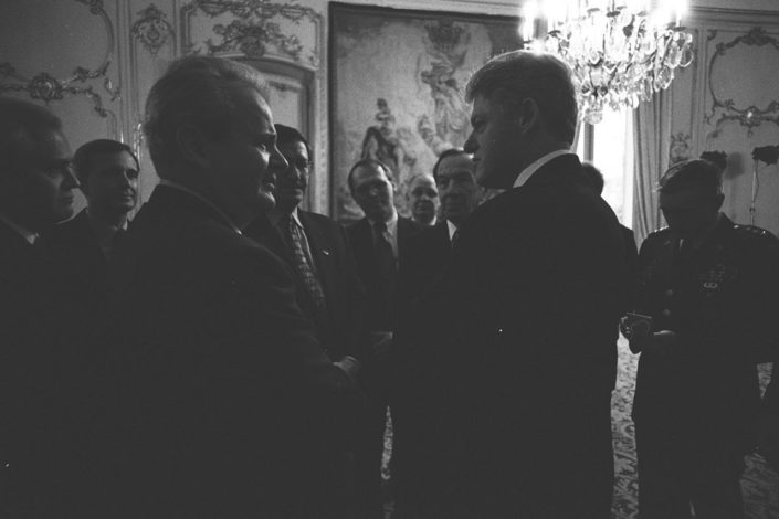Kako je CIA srušila Miloševića