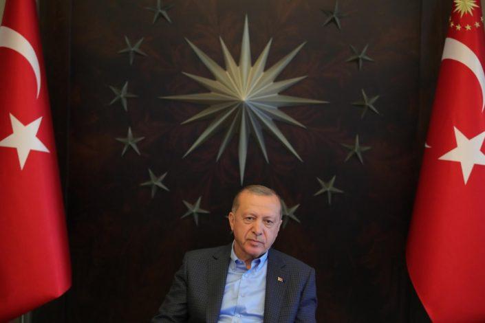 Erdoganova Turska na ivici noža