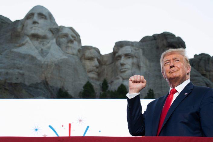 Tramp je zaigrao na patriotsku kartu