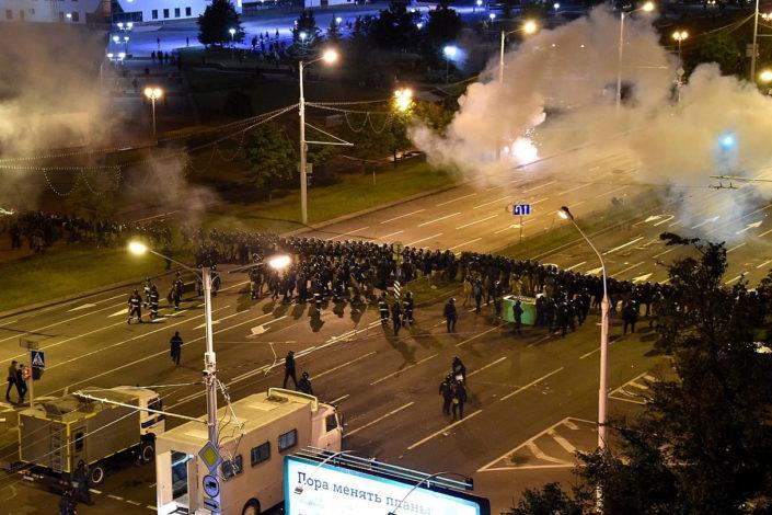 """U Belorusiji policija pucala na demonstrante, tri zemlje """"spremile plan"""""""