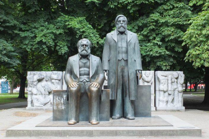 I. Miladinović: Marks i Engels su nazivali Srbe zakržljalim narodom