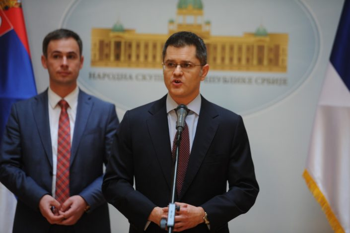 Vuk Jeremić: Vlast i opozicija u Srbiji moraju delovati složno u vezi CG