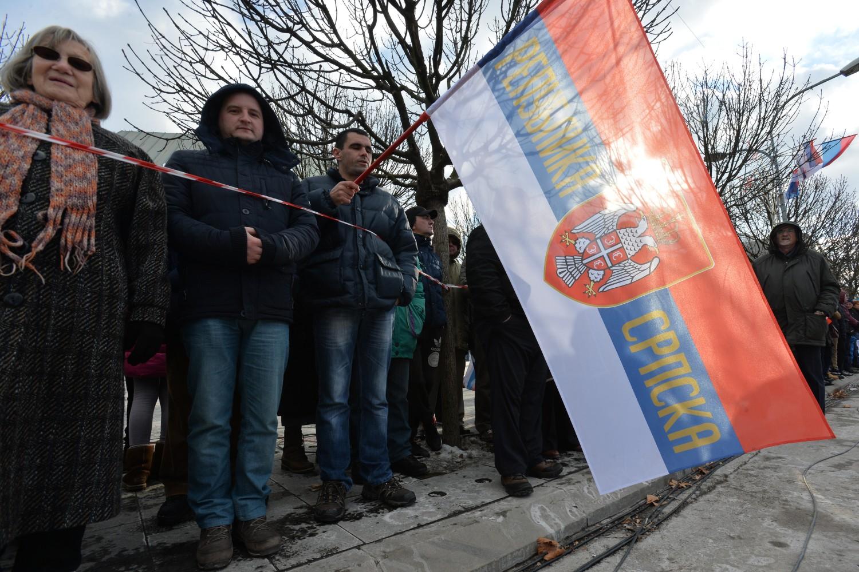 Građani Banjaluke za trobojkom Republike Srpske tokom obeležavanja Dana Republike Srpske, 09. januar 2017. (Foto: Tanjug/Zoran Žestić)