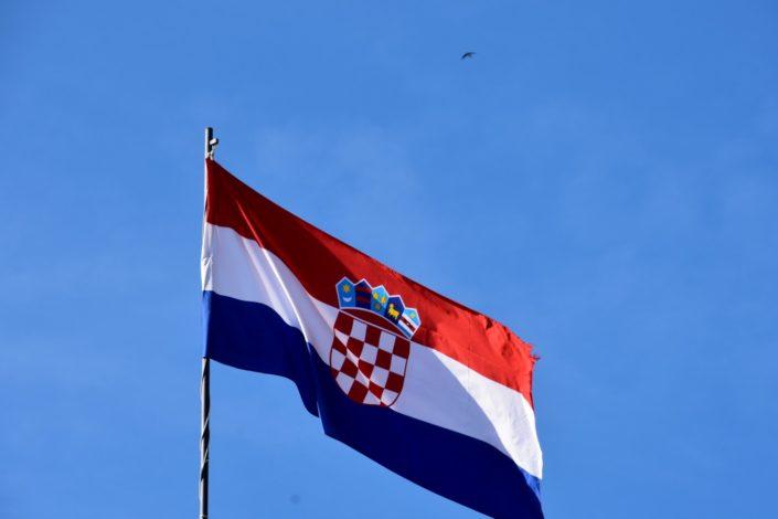 Zašto uvek navijam protiv Hrvata i titoista