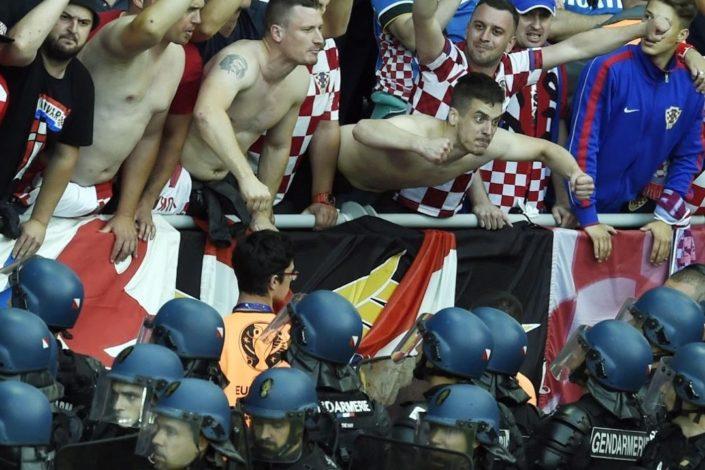 DPS dovodi hrvatske navijače na miting u nedelju?