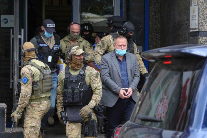 Euleks sa dugim cevima upao u kancelariju veterana OVK, uhapšen Gucati