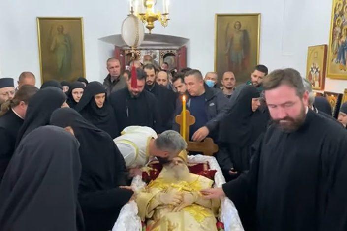 Sahrana mitropolita Amfilohija u nedelju, patrijarh služi liturgiju