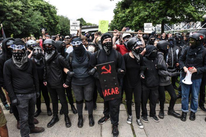 """Vašington tajms: Sve više Amerikanaca """"ispoveda"""" marksističke stavove"""