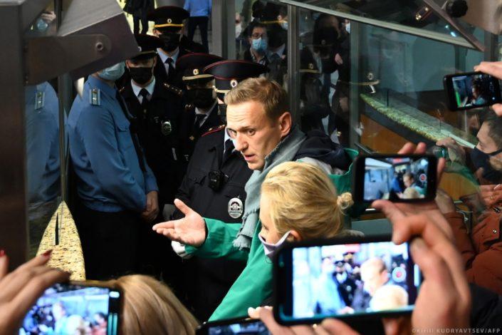 B. Mitrinović: Vakcine, gas i faktor Navaljni