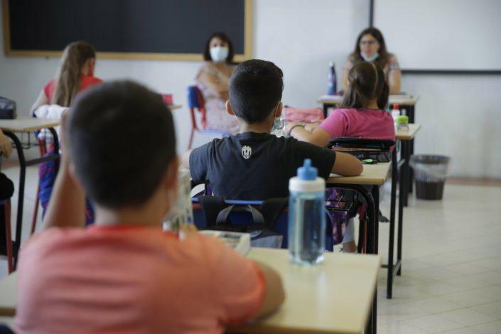 U Hrvatskoj pitali decu da li bi pre sedeli pored Srbina, Roma ili osobe sa AIDS-om