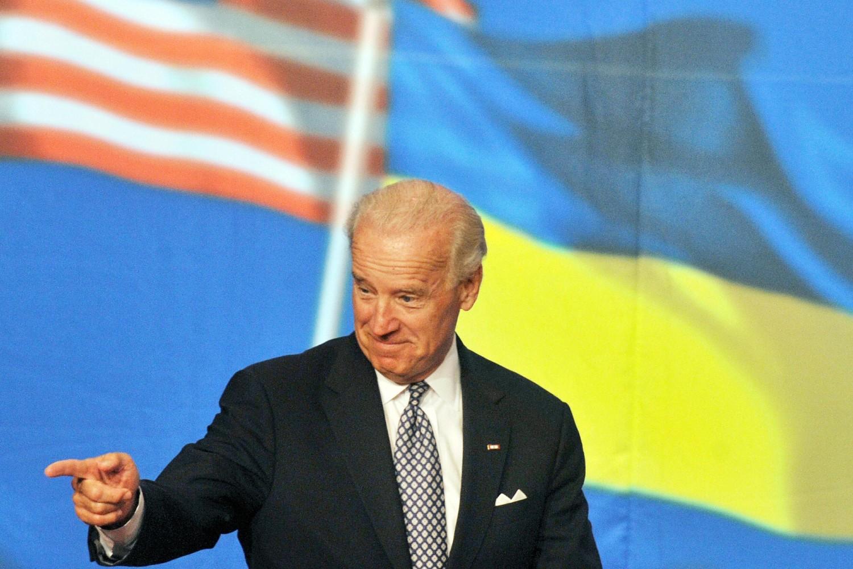 Тадашњи амерички потпредседник Џо Бајден током говора приликом посете Украјини, Кијев, 22. јул 2009. (Фото: Sergei Supinsky/AFP/Getty Images)
