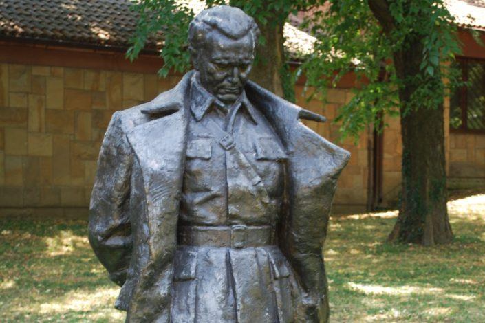 D. Jovović: Zlatna tajna Titovog sefa
