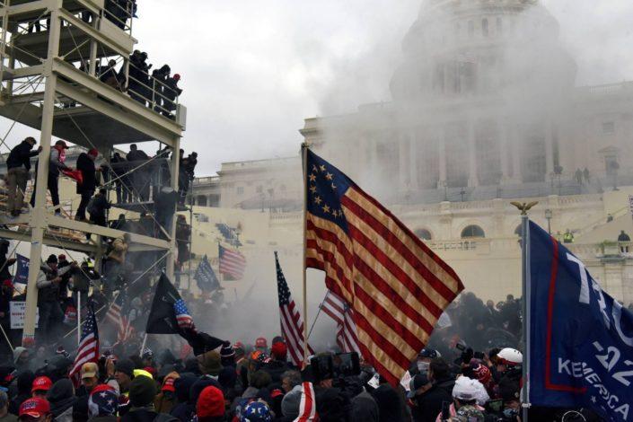S. Karganović: Upad u Kongres bio je klasična operacija lažne zastave