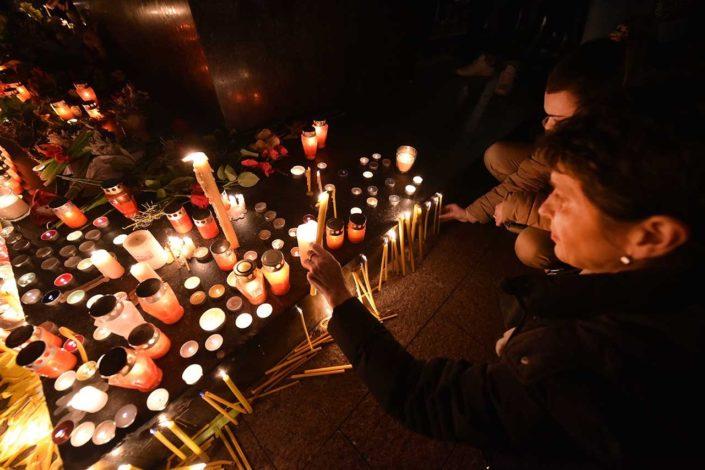 Širom Srbije i regiona hiljade građana se opraštaju od Đorđa Balaševića