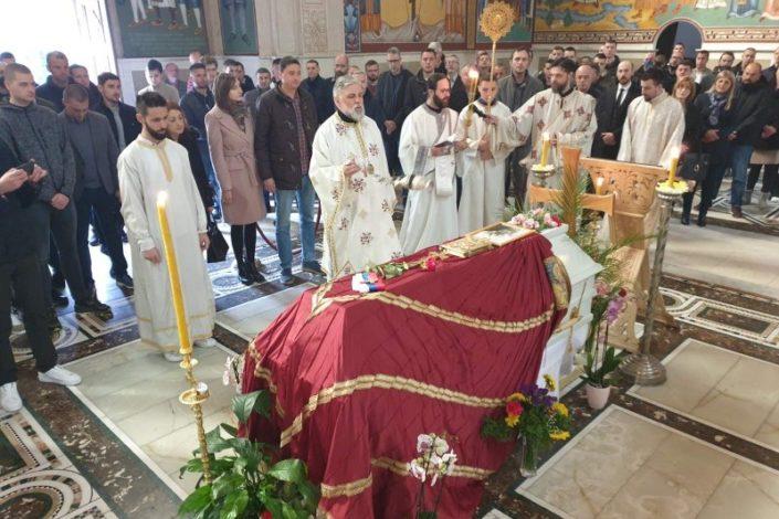 Oproštajne poruke episkopa Teodosija i M. Bećkovića od vladike Atanasija