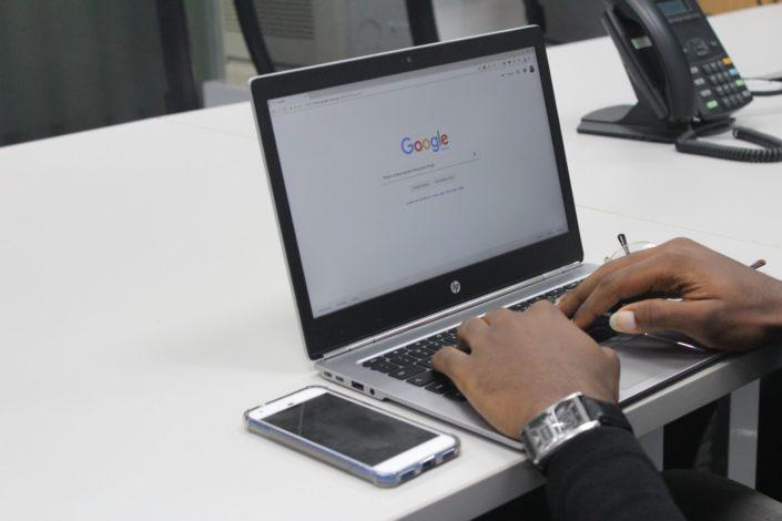 D. Lopandić: Da li nas Gugl čini površnim i glupim