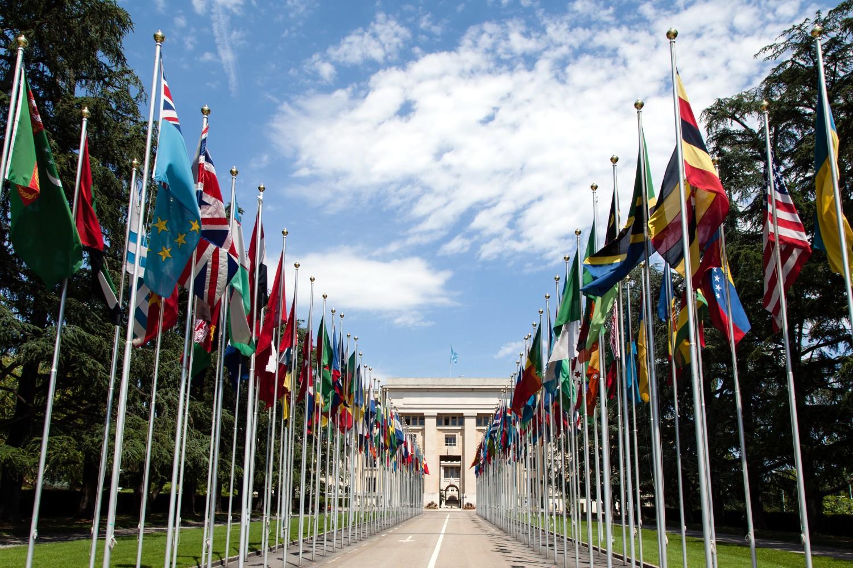 Zastave država članica Ujedinjenih nacija ispred sedišta u Ženevi (Foto: Wikimedia/Flickr/Tom Page, CC BY-SA 2.0)