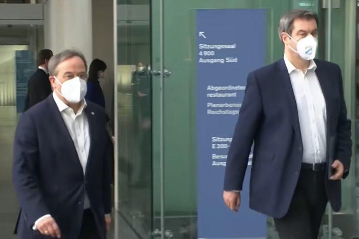 N. Radičević: Dva novinara u trci da zamene Angelu Merkel