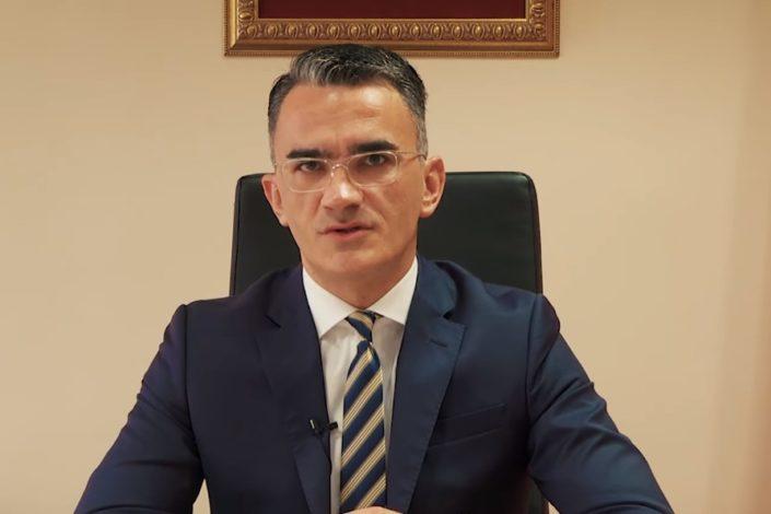 Leposavić smenjen, usvojena Rezolucija o Srebrenici uz podršku DPS-a