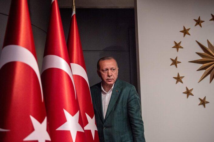 Erdogan: Ipak ne proterujemo ambasadore, promeniće ponašanje