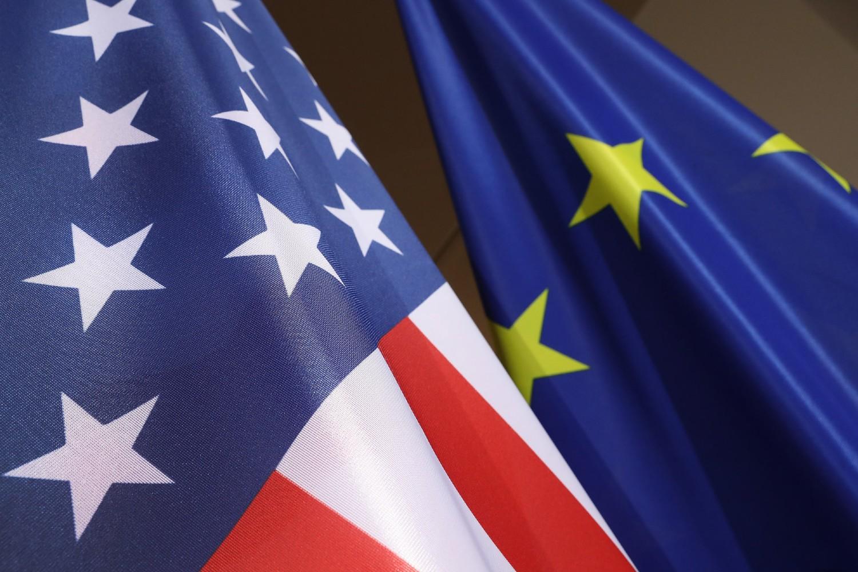 Zastave Sjedinjenih Američkih Država i Evropske unije (Foto: Sean Gallup/Getty Images)