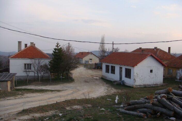 Ž. Rakočević: Sirotinja zlatnog grada