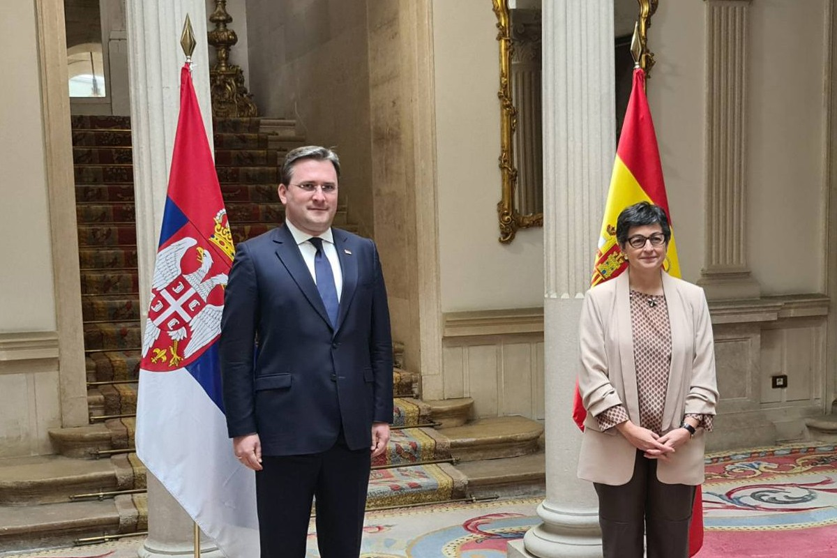 Ministar spoljnih poslova Srbije Nikola Selaković tokom susreta sa ministarkom spoljnih poslova Španije Gonsales Lajom, Madrid, 04. maj 2021.(Foto: Ministarstvo spoljnih poslova Srbije)