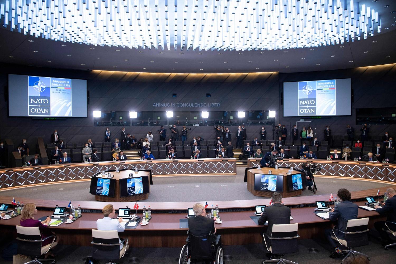 Представници држава чланица НАТО током самита у Бриселу, 14. јун 2021. (Фото: Reuters/Brendan Smialowski)