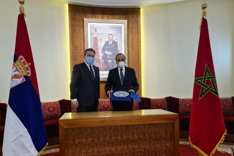 Ministar spoljnih poslova Srbije Nikola Selaković tokom susreta sa predsednikom Predstavničkog doma Parlementa Kraljevine Maroko Habibom El Malkijem, Rabat, 06. maj 2021. (Foto: Ministarstvo spoljnih poslova Republike Srbije)