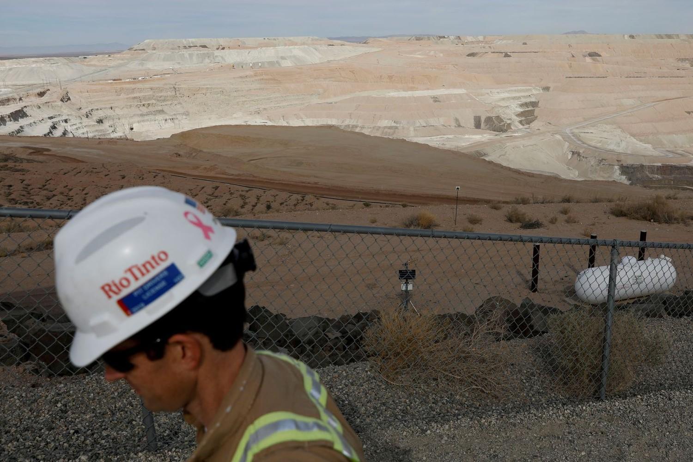 Zaposleni tokom rada u rudniku Ria Tinta u Boronu (Kalifornija), 15. novembar 2019. (Foto: Reuters/Patrick T. Fallon)