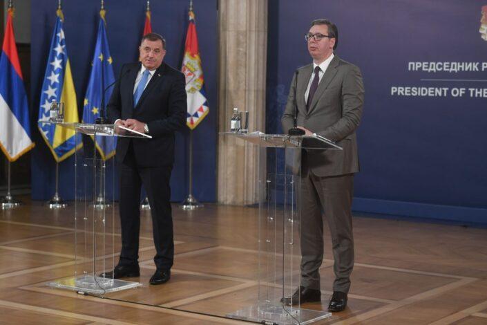 Vučić: Srbija će prvi put tražiti izveštaj od visokog predstavnika za BiH