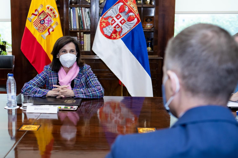 Ministar odbrane Nebojša Stefanović tokom sastanka sa ministarkom odbrane Španije Margaritom Robles, Madrid, 11. maj 2021. (Foto: Ministarstvo odbrane Republike Srbije)