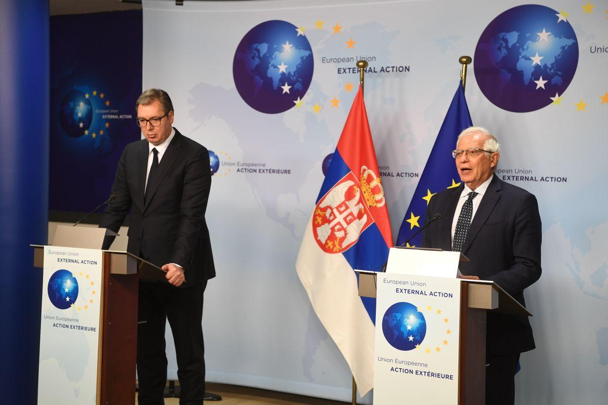 Predsednik Srbije Aleksandar Vučić i visoki predstavnik EU za spoljne poslove i bezbednosnu politiku Žozep Borel tokom zajedničke konferencije za medije, Brisel, 26. april 2021. (Foto: Predsedništvo Srbije/Dimitrije Goll)