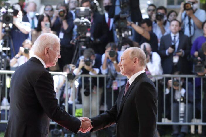 Ko će prvi pokleknuti – Putin ili Bajden?
