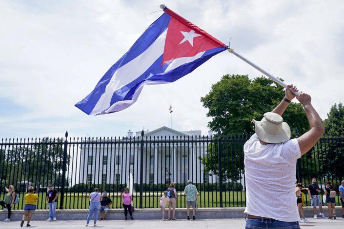 Suarez: Bombardujmo Kubu kao što smo Jugoslaviju