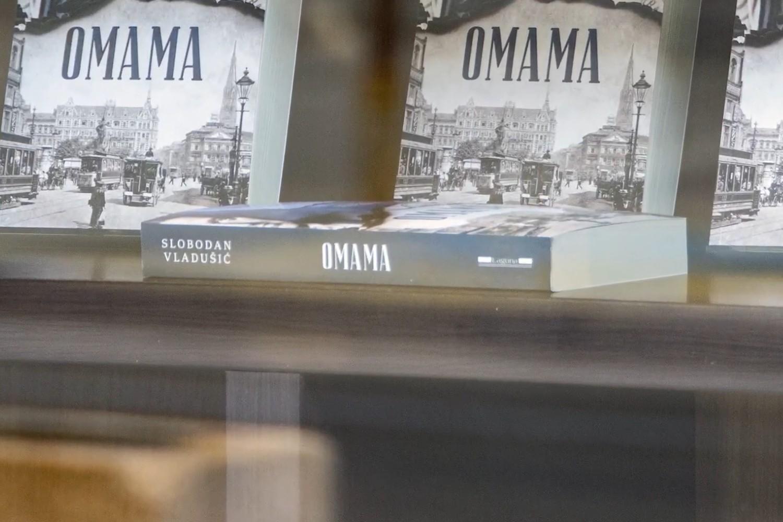 """Primerci """"Omame"""" na policama (Foto: Snimak ekrana/Jutjub/Laguna)"""