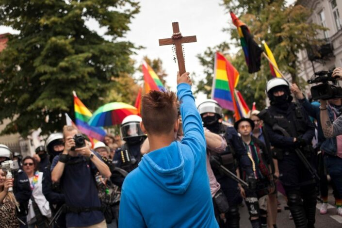 B. Mitrinović: Ofanziva talibana i LGBT aktivista