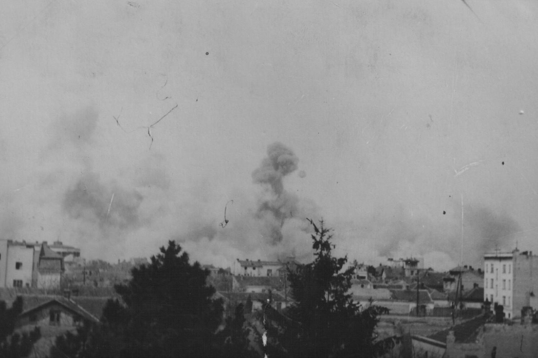 Savezničko bombardovanje Beograda 1944. godine (Foto: Wikimedia/znaci.net/Boško Makarević)